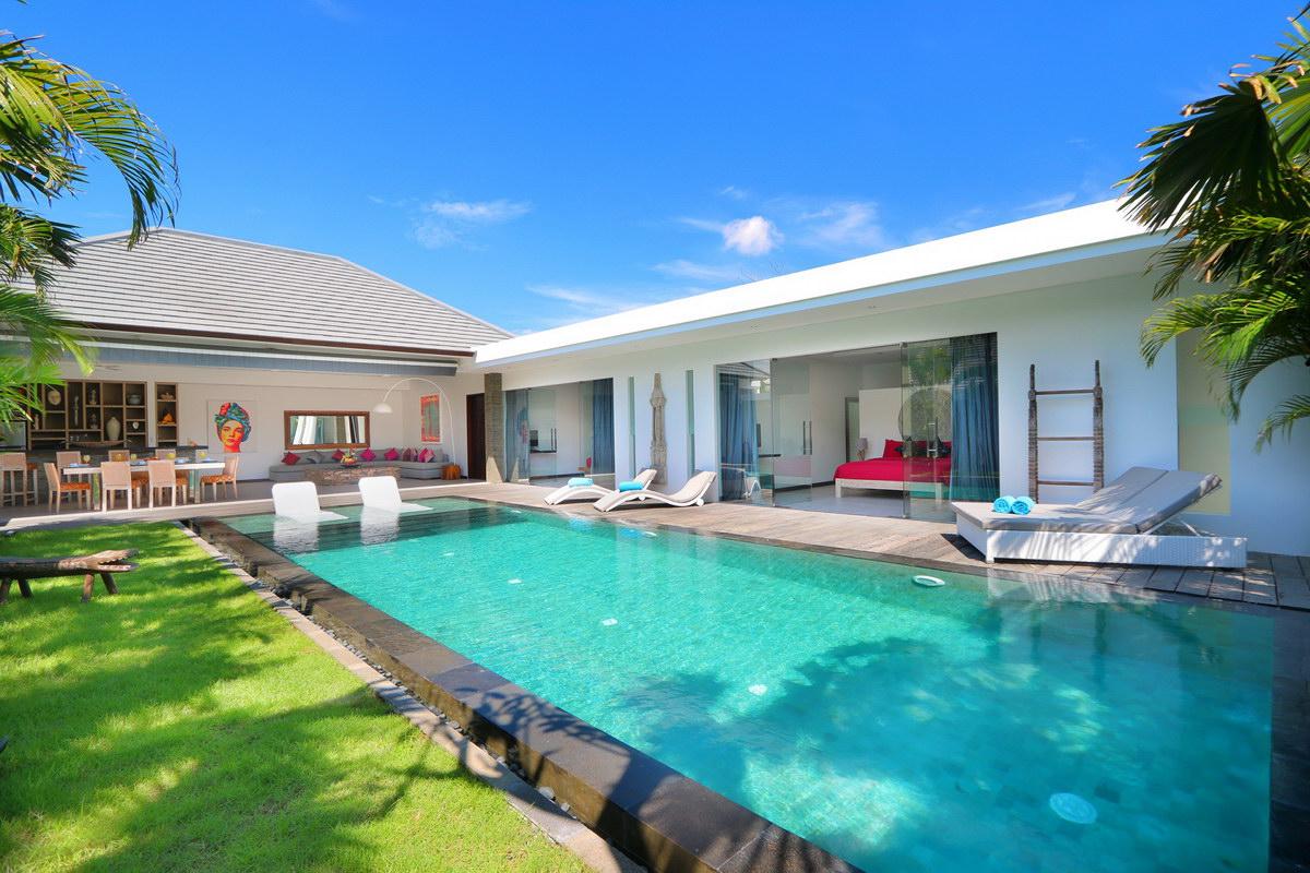 Villa Gala 577 118074009113 Swimming Pool At Noon