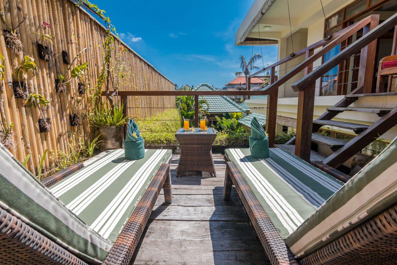 Villa Beji 580 189076123255 Sun Beds