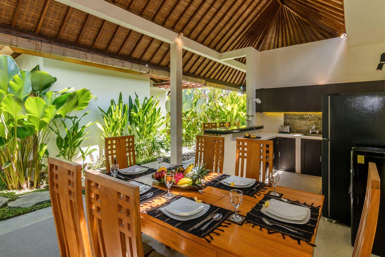 Villa Beji 580 219406423654 Dining Area
