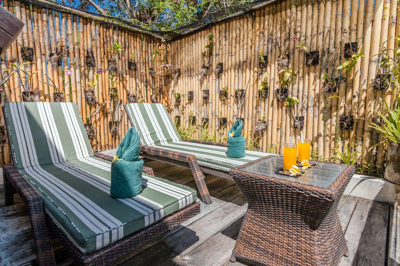 Villa Beji 580 302824082756 Sun Beds
