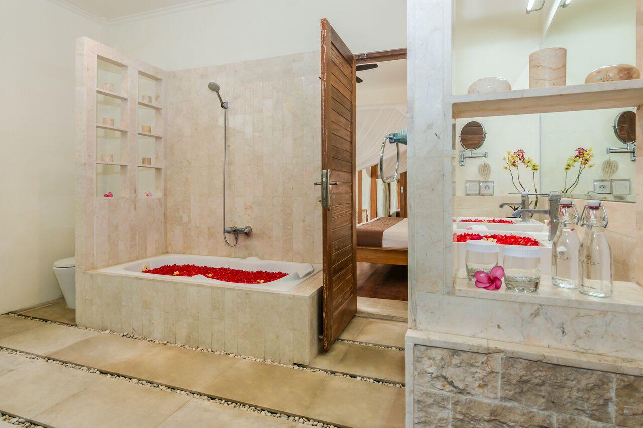 Villa Beji 580 751921745913 Bathroom