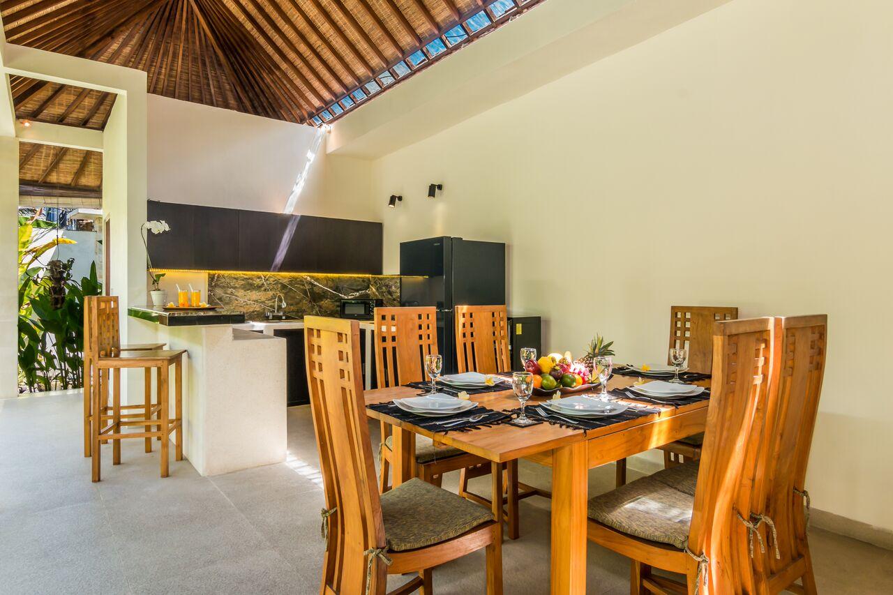 Villa Beji 580 951266761446 Dining Area