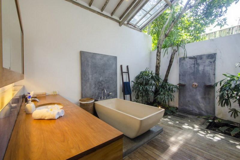 Villa Bidadari 587 430313994613 Bathroom