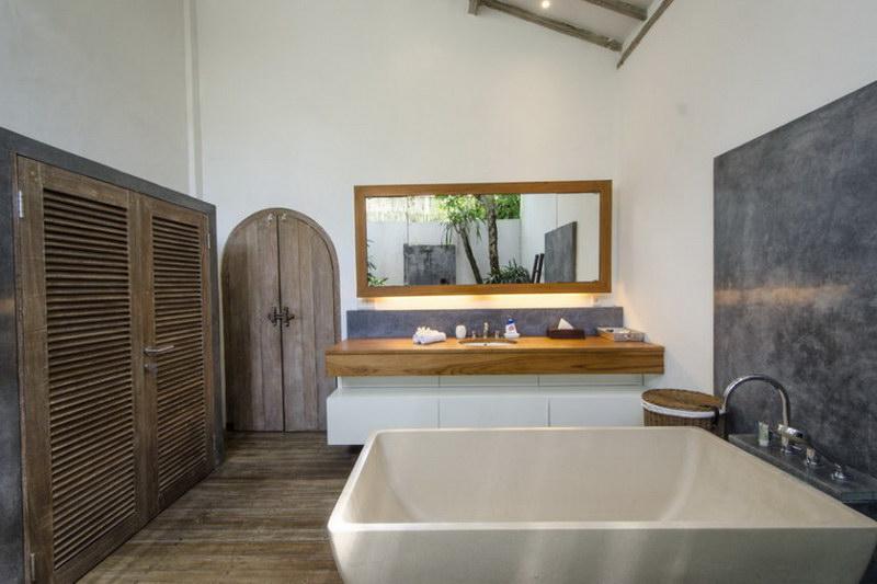 Villa Bidadari 587 721184563811 Bathroom