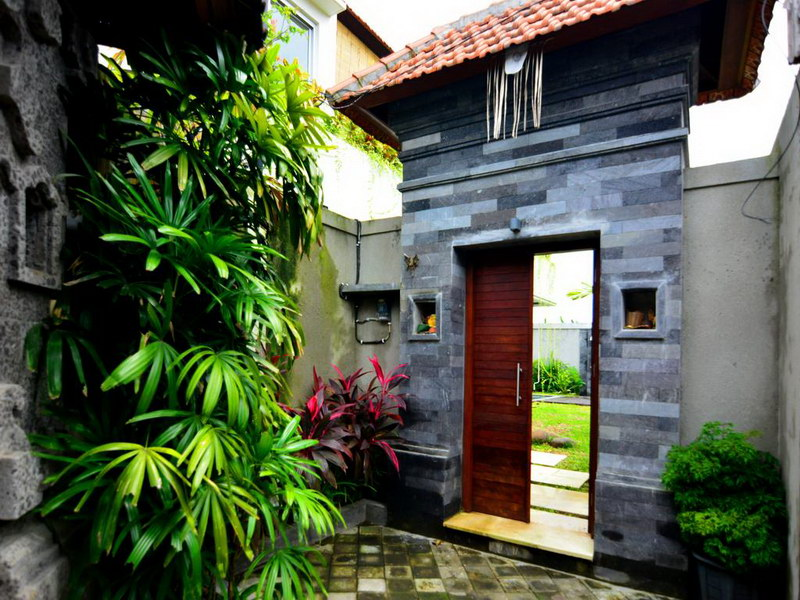 Villa Ganga 596 927330813822 Entrance