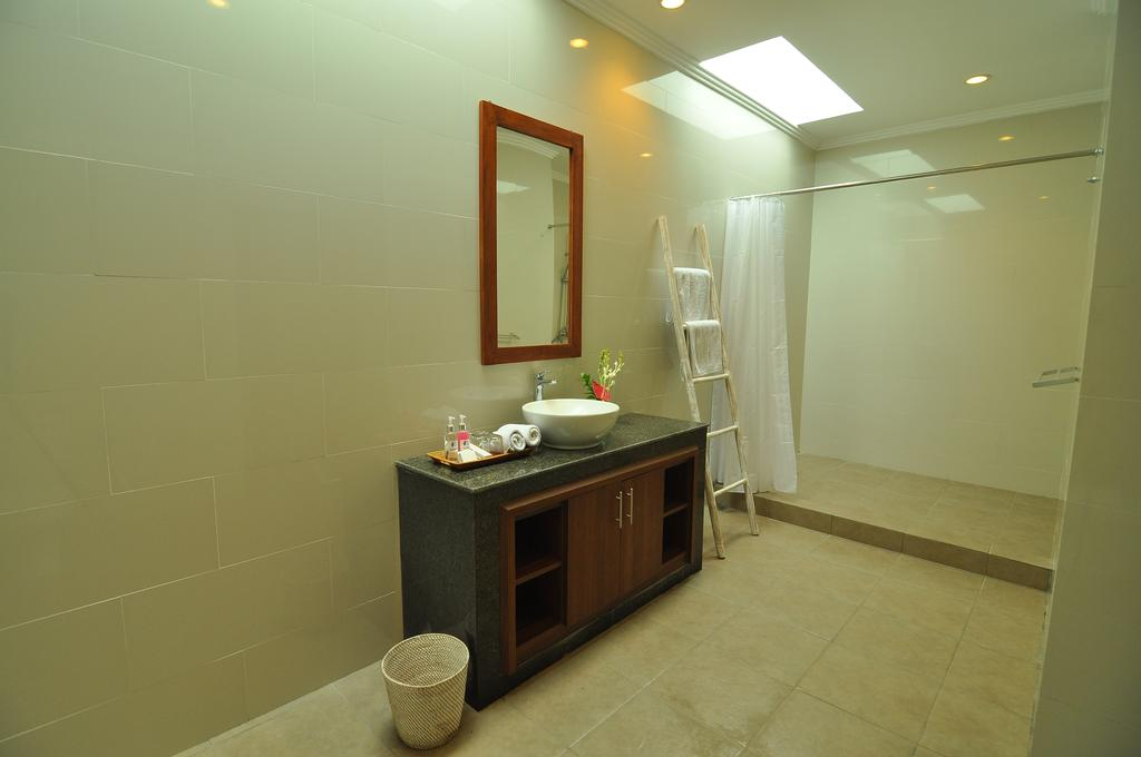 Villa Safeer 598 286238863517 Bathroom