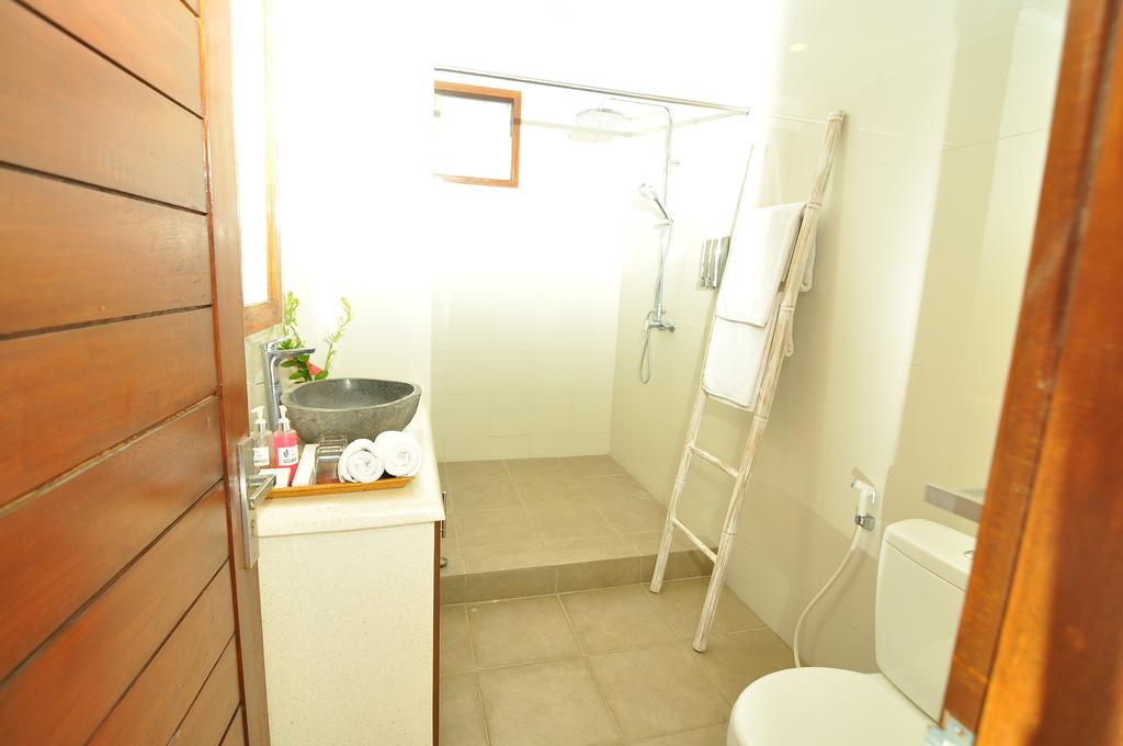 Villa Safeer 598 609436102619 Bathroom
