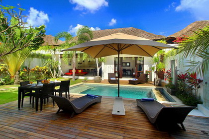 Villa Calypso - 2BR Pool Villa in Batubelig 800 meters from the Beach
