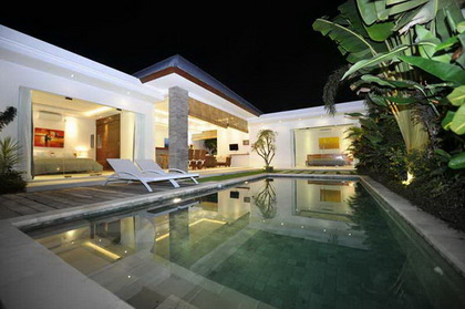 Villa Lotus - 2BR Villa in Seminyak 10 mins Walk from Oberoi Street