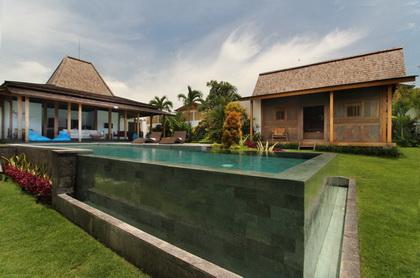 Villa Sebelah