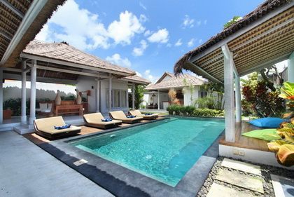 Villa Noa - 4BR Villa a few minutes away from the heart of Seminyak